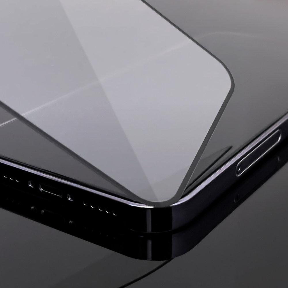 Celoplošné temperované tvrzené sklo na iPhone SE 2020 / 8 / 7 black